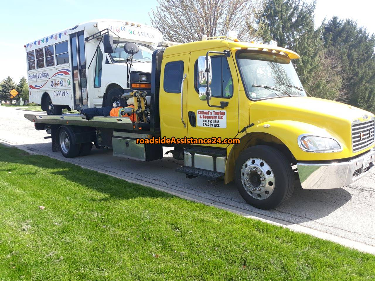 Clifford's Towing & Recovery LLC